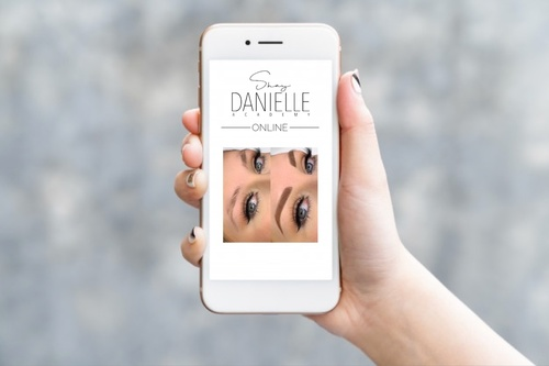 FREE MINI COURSE The Two Biggest Instagram Bio Optimization Secrets You Need To Know NOW!   Shay Danielle Academy Online