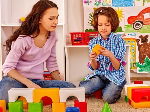 Parents as Partners: Play Therapy Assessment and Treatment Planning in TraumaPlay