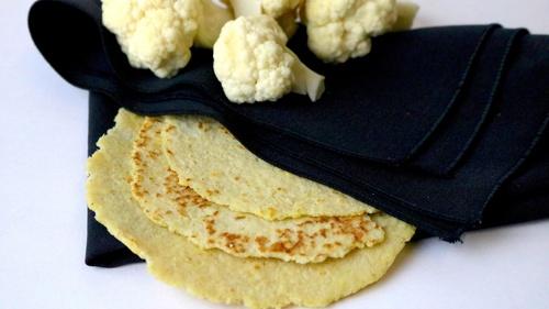 Tortillas de maíz con coliflor