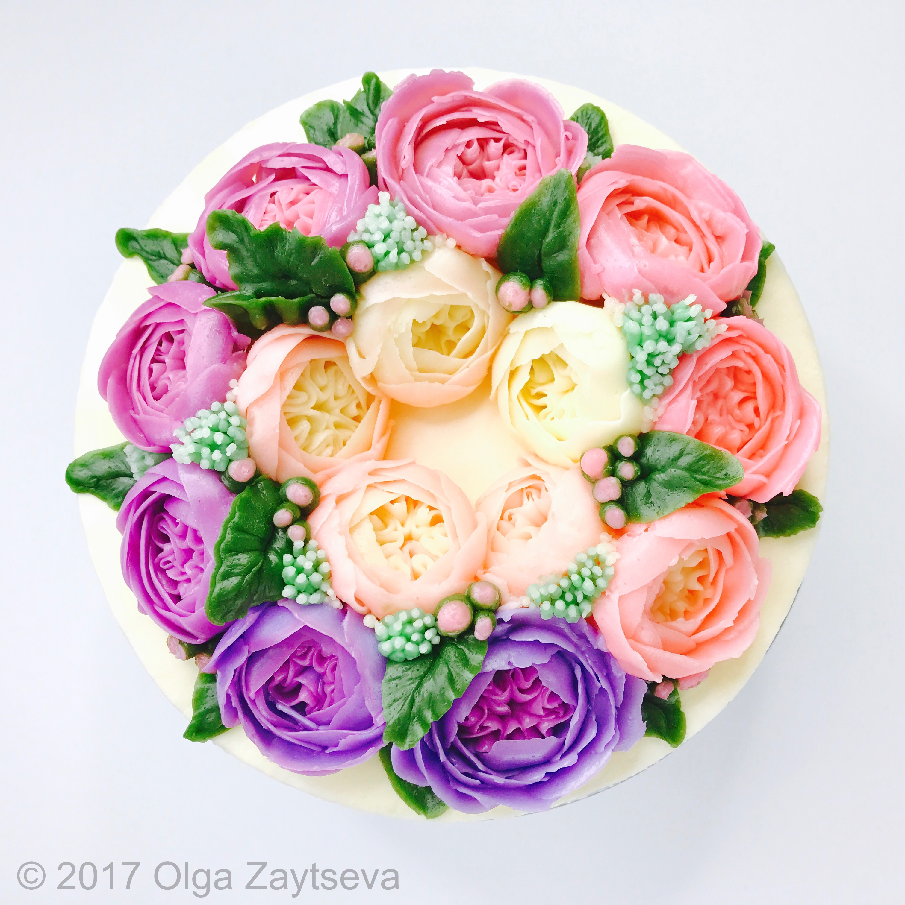 How to make ombre roses buttercream flower cake wow your next party learn to mix pipe and decorate marvelous ombre roses buttercream flower wreath cake izmirmasajfo