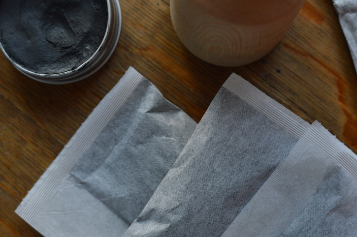 Plantain Charcoal Poultice in self-seal tea bags