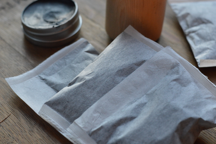 An herbal poultice is a time tested remedy used by many herbalists to draw impurities out of the skin. Learn how to make a poultice and have it on hand for the next bite or sting.