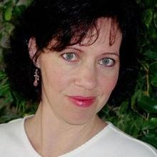 Laura  Domino