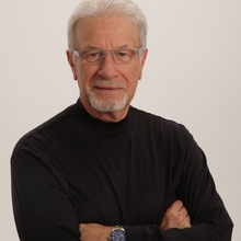 Dr. Michael Schuster