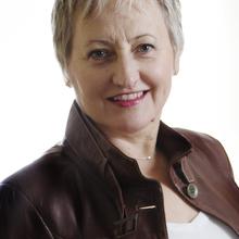 Carolyn Schur