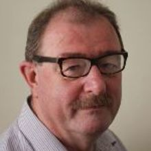 Dr. Richard  Wynne