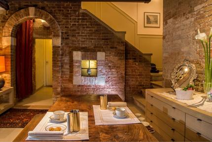 Elegant Apartment in Central Venice