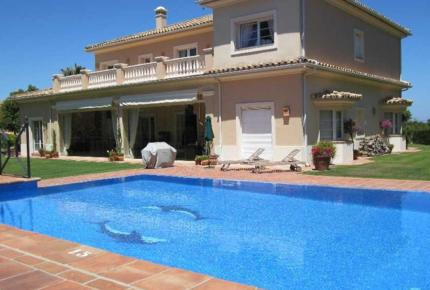 Golf Front Villa with Private Pool