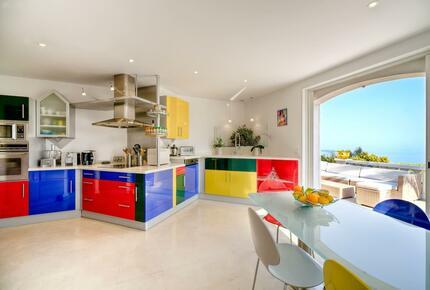 Stunning Villa Overlooking the Cap d'Antibes
