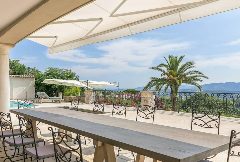 Outstanding Holiday Villa with a Panoramic View