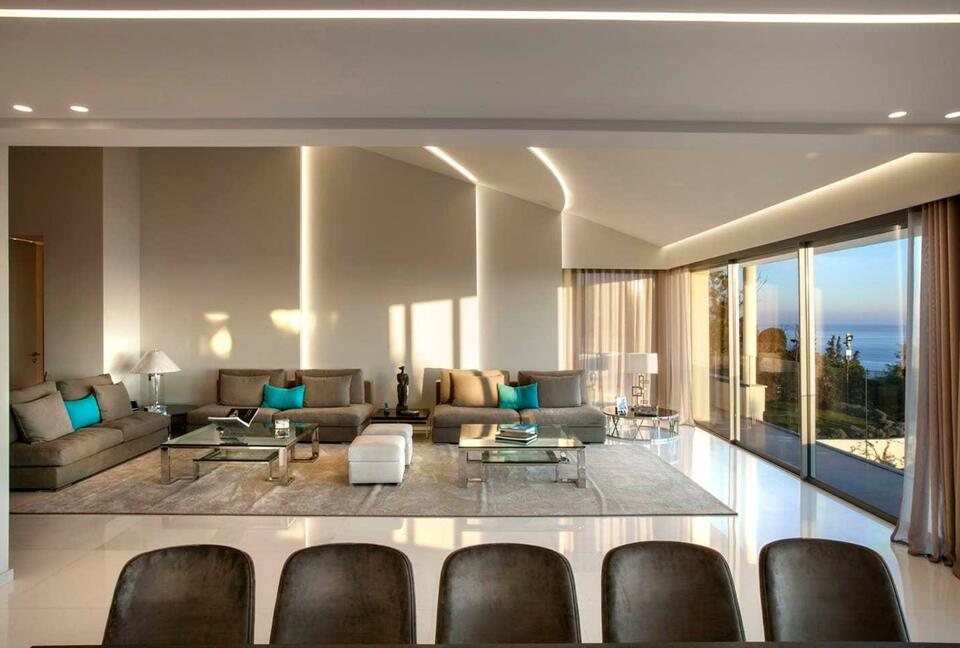 Magnificent Modern Villa Stylishly Decorated