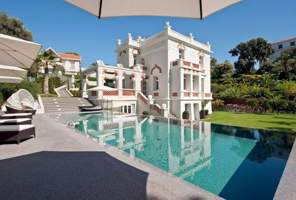 Superb Villa in the West Side of Cap d'Antibes