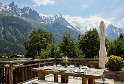 Outdoor Hot Tub & Sauna Chalet with stunning views