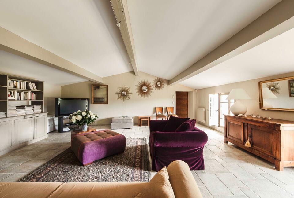 Amazing Villa with Breathtaking Views of Mont Ventoux