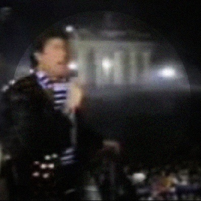 Looking for freedom (Live at Berlin Wall 1989)