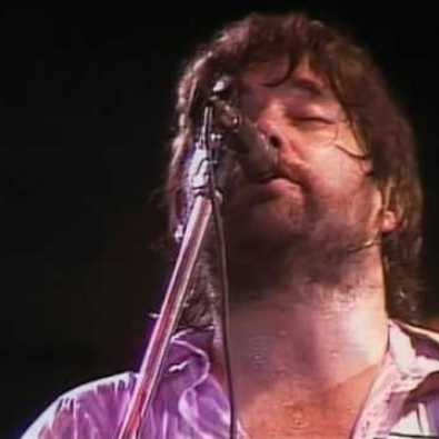 Willin' sung by Lowell George Live 1977. HQ Video.