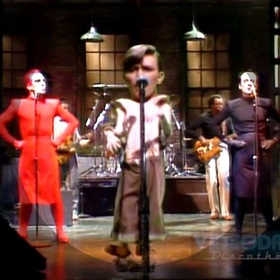 David bowie boys keep swinging snl