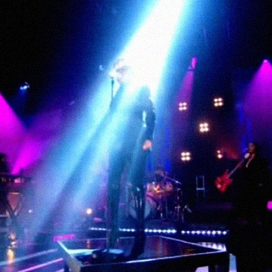 Pull Up To The Bumper (Live on Jools Holland 2008)