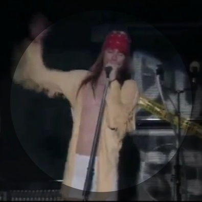 2 minutes of axl rose asking for some reggae
