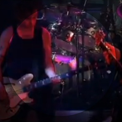 The Kiss (Live) - 2002