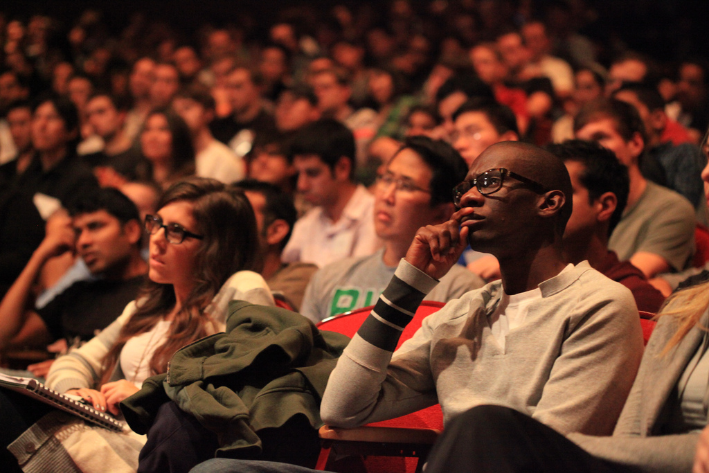 Photograph of an engaged audience.