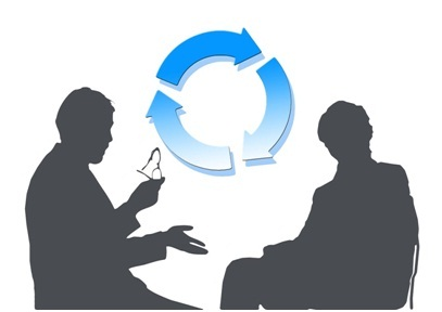 Two people having a conversation with 3 arrows symbolizing their cyclical conversation.