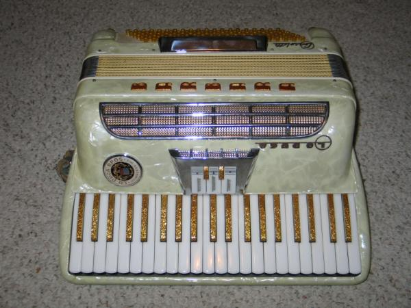 Lo duca bros accordion midget model
