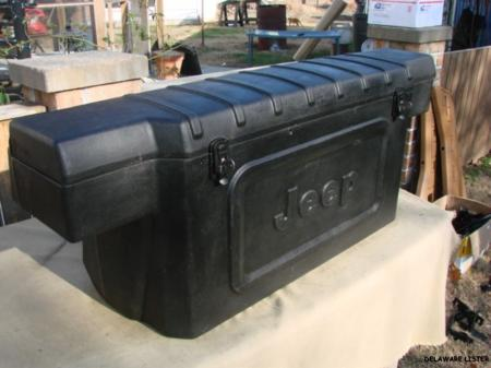 1976 to 1986 jeep cj7 nos rear plastic jeep marked storage tool box w keys ebay. Black Bedroom Furniture Sets. Home Design Ideas