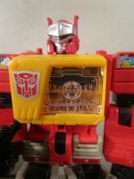 Transformers Generations Titans return Titan master class auto bot pterocaryosid