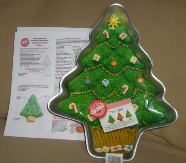 Christmas Cake Ideas Wilton : Wilton Treeliteful Christmas Tree Holiday Cake Pan LN eBay