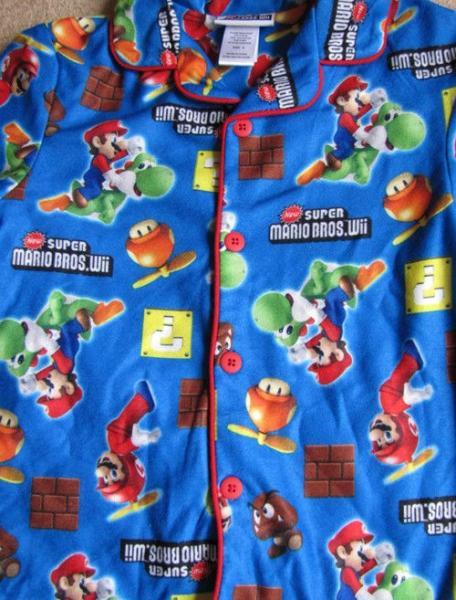 NINTENDO Super MARIO Bros Wii Game Flannel Pajamas Pjs sz 9/10