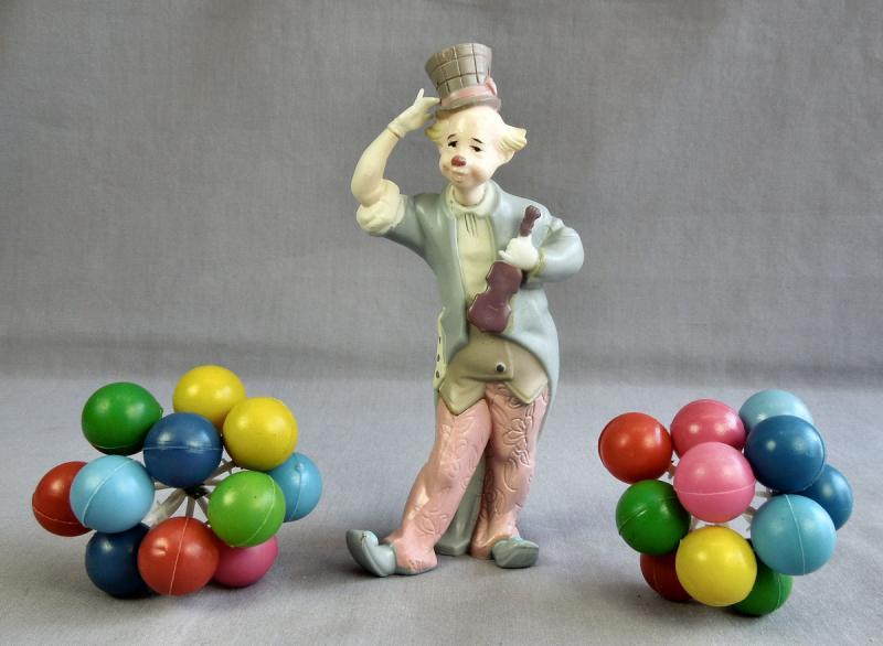 Wilton Cake Decorating Balloons : Vintage 1972 Wilton 1316 1709 Circus Clown With Balloons ...