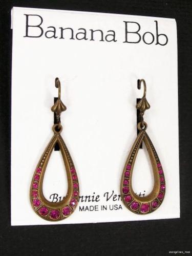 Vintage FUCHSIA SWAROVSKI CRYSTAL Rhinestone Dangle Pierced Earrings