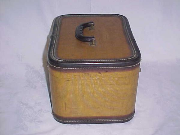 Vintage Retro Hard Side Suitcase Train Make Up Case Nice Piece Luggage Hat