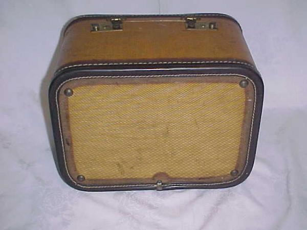 Vintage Retro Hard Side Suitcase Train Make Up Case Nice Piece Luggage Hat