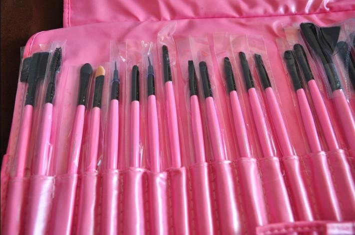 PCs Set Brand New Pro. Makeup Brush Kit + Faux Leather Bag Magic Tools