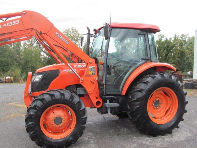 Used Kubota Tractor Wheel : Kubota diesel farm tractor with loader