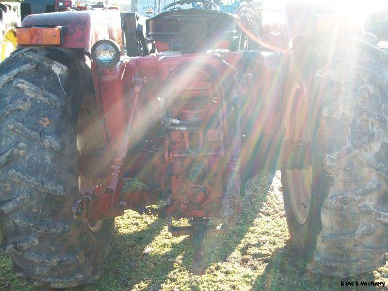 International Harvester 684 Farm Tractor w Loader