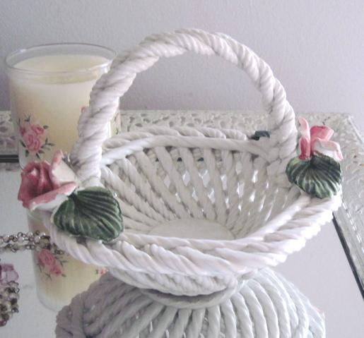 Italy Shabby Pale Pink Porcelain Roses Chic White Woven