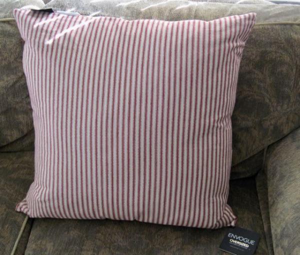 Envogue Decorative Pillows : ENVOGUE NWT 22