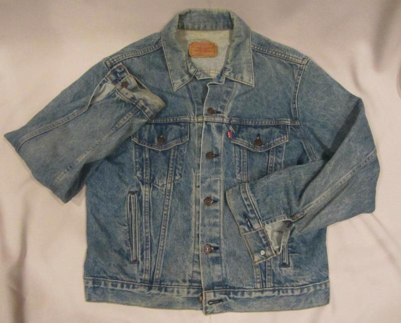 Levis Vintage 80s Classic Red Tab Denim Jean Faded Long Sleeves
