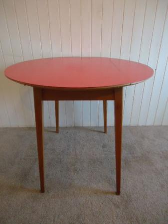 Red vintage retro formica top kitchen dining table drop leaf round ebay - Formica top kitchen tables ...