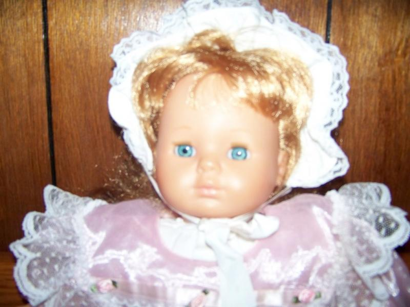 Famosa Made in Spain Toy Baby Doll Fancy Dress Clothes Red Hair Blue Eyes GUC
