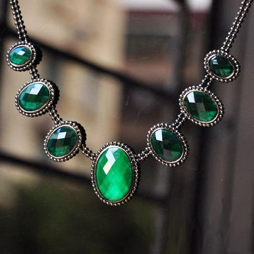 Fashion Necklace Vintage Chain Crystal Charm Pendant Green Gemstone