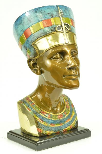 Egyptian queen pharaoh nefertiti bust sculpture statue for Ancient egyptian decoration