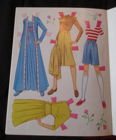 vintage golden book pink amp pretty barbie paper dolls 1983