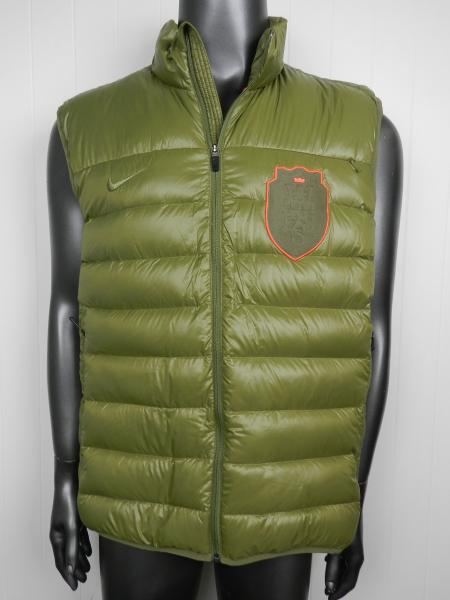 Cute comfy winter vest, multi solid color: Army Green, Beige, Black HOWON Men's Classic Sleeveless Stand Collar Quilted Puffer Down Vest Outwear. by HOWON. Puffer vest is made of polyester pongee with a polyurethane milky coating. HOWON Mens Plus Size Solid Stand Collar Warm Padded Quilted Puffer Vest Jacket Coat.