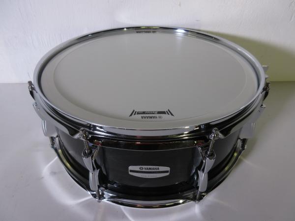 yamaha stage custom snare drum 14 x 5 5 raven black 8 lugs birch shell ebay. Black Bedroom Furniture Sets. Home Design Ideas