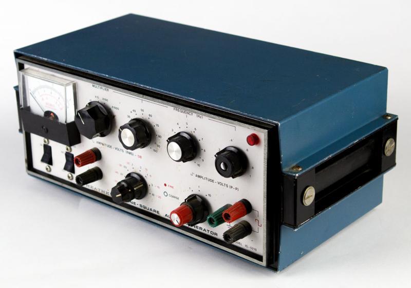 Audio Signal Generator : Heathkit ig sine square audio signal generator
