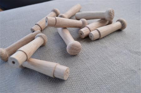 Set of 10 lovely turned oak shaker style wooden hanging for Picture hanging pegs